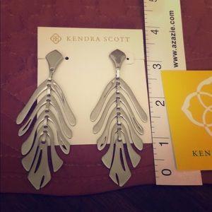 Kendra Scott Luca earrings